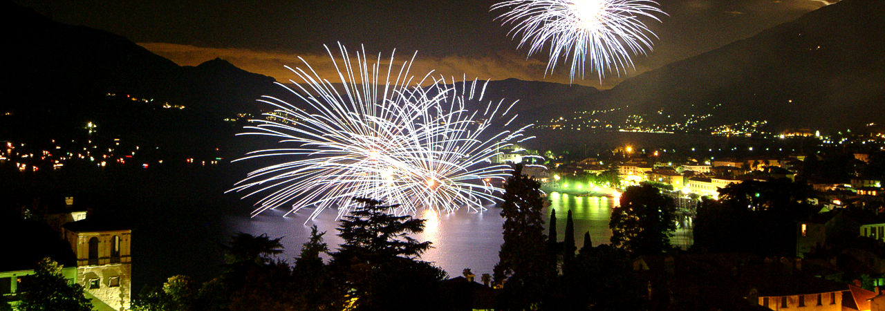 Fire works lake Como